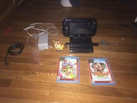 Wii u with 2 games Springfield, 01118