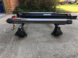 Yakima car roof rack with extras