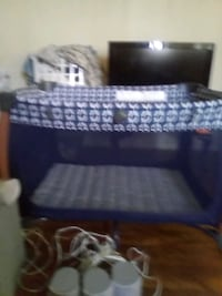Fold up play pen used once
