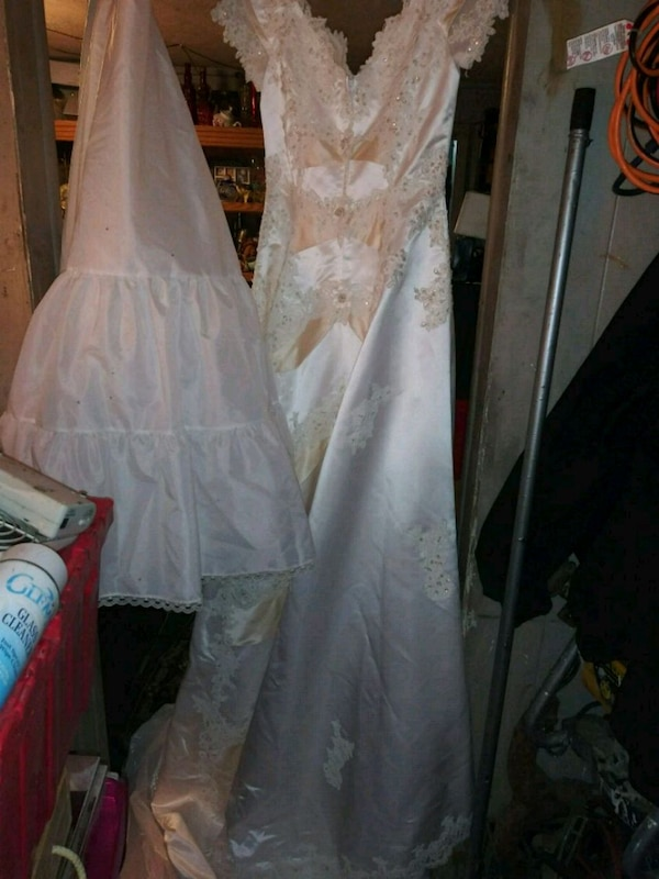 b727512292c Used white floral lace long-sleeved wedding dress for sale in Indianapolis  - letgo
