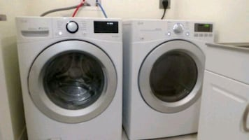 LG washer and dryer ***