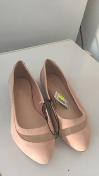 Pink suede flats Hagerstown, 21740