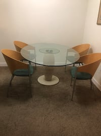 Set of 4 dining chairs! Perfect conditions Deerfield Beach, 33441