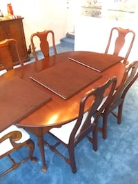 Dinning table and chairs North Kingstown