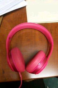 Beats solo gloss pink - Today Only Surrey, V3W 9C6