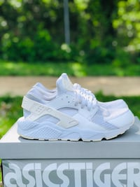 Nike Huaraches Falls Church, 22041