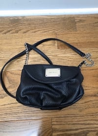 Nine West Crossbody Vaughan, L4J 8K5
