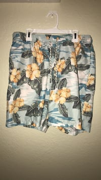 Tommy Bahama Swim Trunks, Size  Medium Wahiawa, 96786