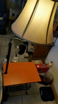 Little side table with attached lamp Remsen, 13438