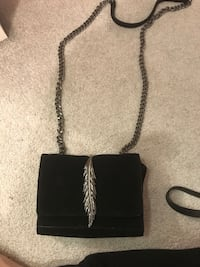 Zara - cross body  Toronto, M4W 1A9