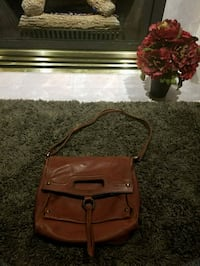 brown leather 2-way Lucky brand bag Coquitlam, V3E 2S7
