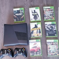 Xbox 360 - 2 controllers - 7 games