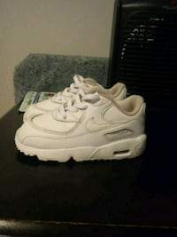 pair of white Nike Air Max shoes Chicago, 60619