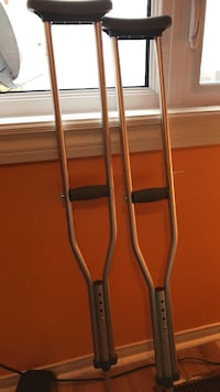 Pair of gray underarm crutches Mississauga, L5N 7R8