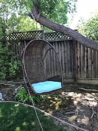 Outdoor Hanging Chair and Cushion Mountain View, 94040