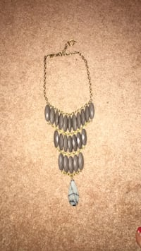 anthropology  statement necklace 233 mi