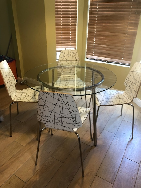 Kitchen Dinette Table & 4 Chairs