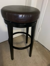 2 genuine leather barstools Arlington, 22209