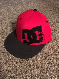 red and black fitted cap Cashmere, 98815