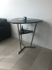 Pub table for sale...only 3 months old Miami, 33131