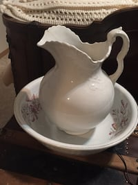 white ceramic pitcher and basin Spokane, 99217