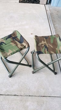 2 camp camp chairs