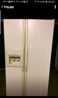 Side by side refrigerator  Commerce Charter Township, 48382