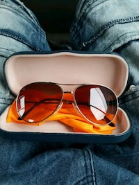 Burberry made in Italy sunglasses
