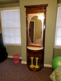 Antique Mirror Stand  Virginia Beach, 23462
