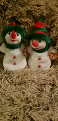 two white and red bear plush toys Milwaukie, 97222