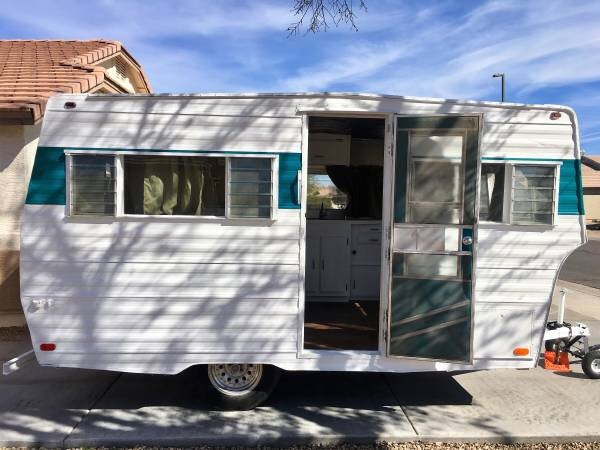 Travel trailer 1968 Yellowstone Cavalier-open to offers