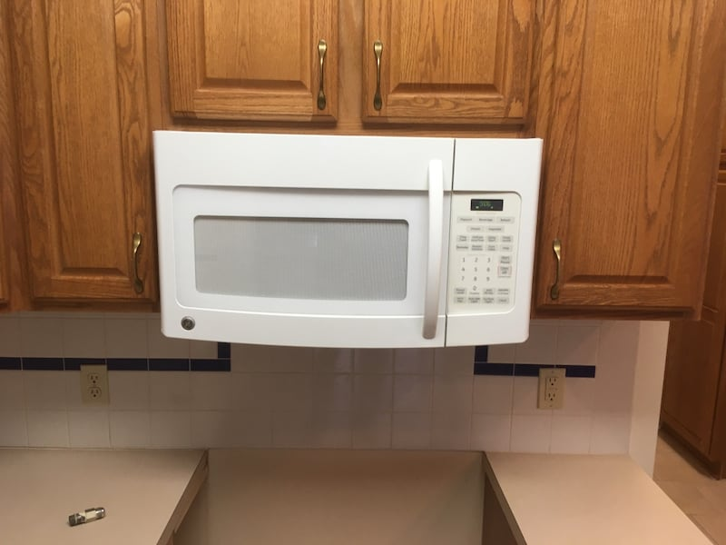 Sold Microwave Under Cabinet In Kent