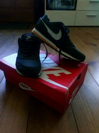 Vends Nike MD Runner 2 Inguiniel, 56240