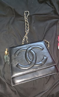 Chanel Purse Dearborn Heights, 48127
