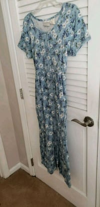 Casual full button dress with pockets !!! Goffstown, 03045