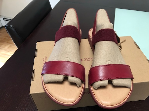 985def89c374 Used Born brand PARSON sandals for sale in New York - letgo