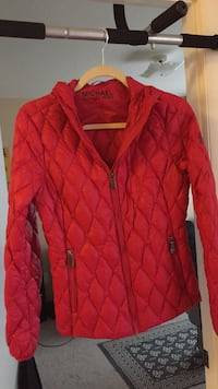 Red zip-up bubble jacket Falls Church, 22043