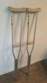 Brand New Sun mark Crutches! Only used once! Washington