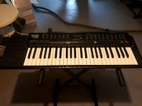 Casio electronic keyboard with stand Vaughan, L4L 9M5