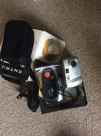 Preowned Kodak Digital Camera DX3700 with case and Docking station Silver color 3.1mp 2392 mi