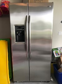 Stainless steel side-by-side refrigerator with dispenser Bradenton, 34205