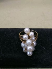 14k solid gold with pearls  Lancaster, 93534