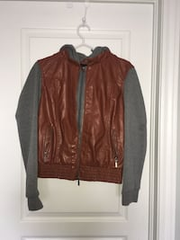 Brown leather jacket  St Catharines, L2S 4E2