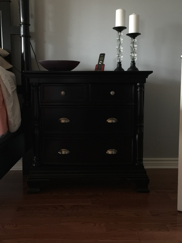 Black wooden drawer night stand