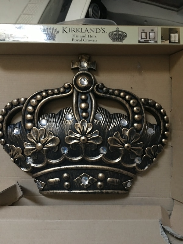 Used Kirkland Quot Hers Quot Queen Crown For Sale In San Antonio