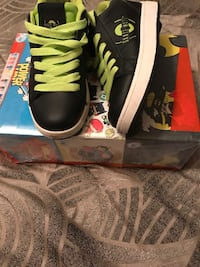 Black & lime Skate-Mate (heely) sneakers-Youth size 3 Milwaukee, 53218