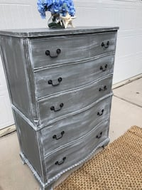 Solid wood driftwood gray dresser with 5 drawers