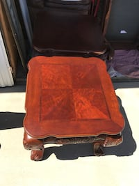 Immaculate, high end, beautiful coffee table and two end table set Springville, 93265