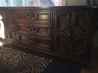 Real wood excellent condition  Laval, H7T 1Y3