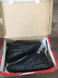 Brand new nike air max 270 all black size 7 women